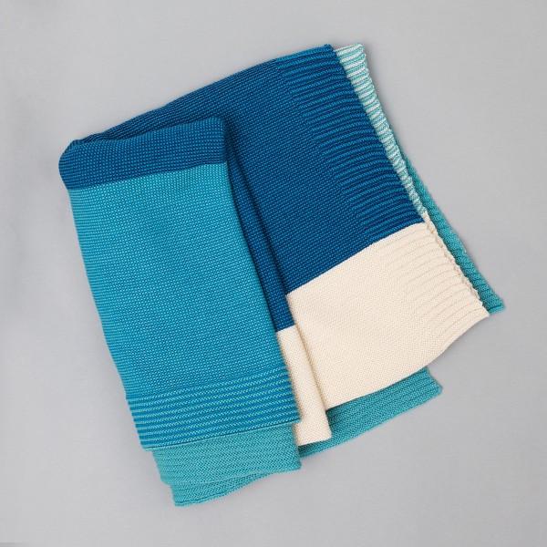 Woll-Strickdecke in verschiedenen Farben