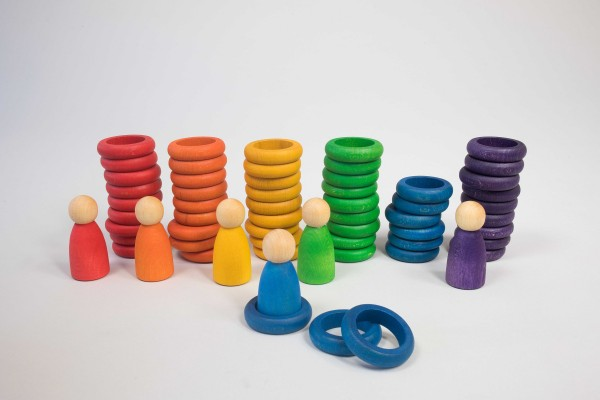 6 Figuren mit Ringen und Scheiben